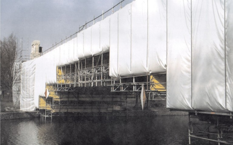 Tarpaulins at a scaffold